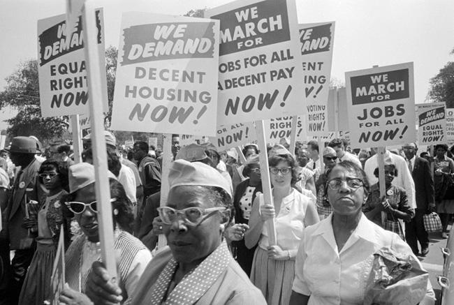 Demonstration med medborhgarrättsrörelsen i USA på 60-talet där man krävde lika rätt och  bra bostäder.